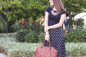 patterned maxi skirt outfit