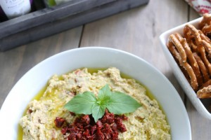 Basil and Sundried Tomato Hummus