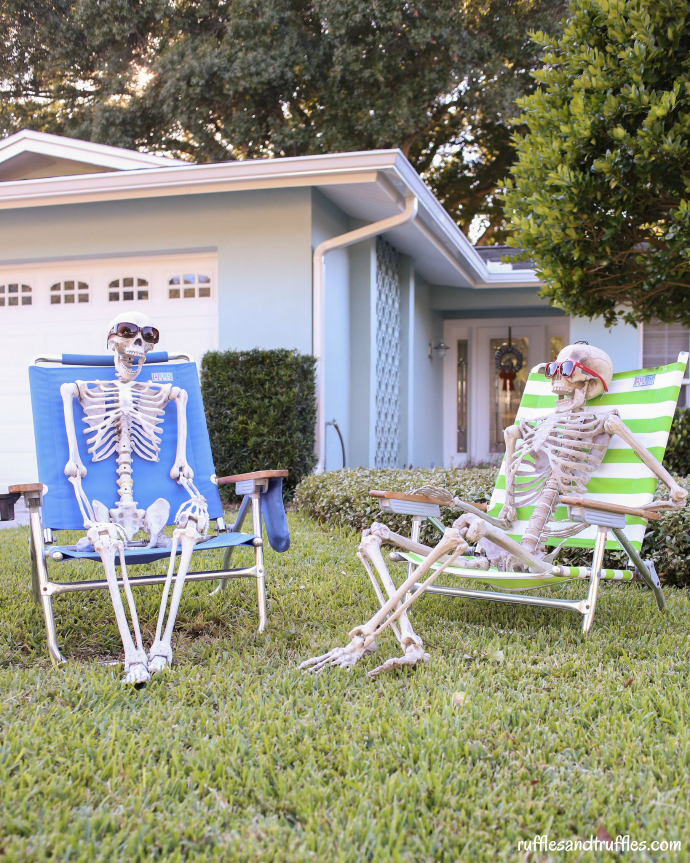 DIY Skeleton Lawn Decorations for Halloween