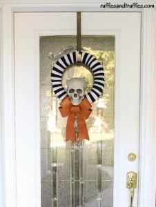 DIY striped skull wreath