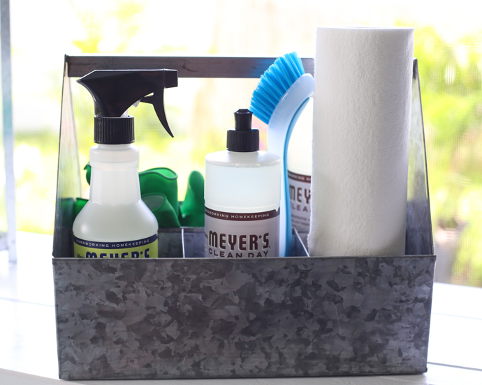 DIY Cleaning Caddy. DIY House Cleaning Caddy   Helpful Homemade